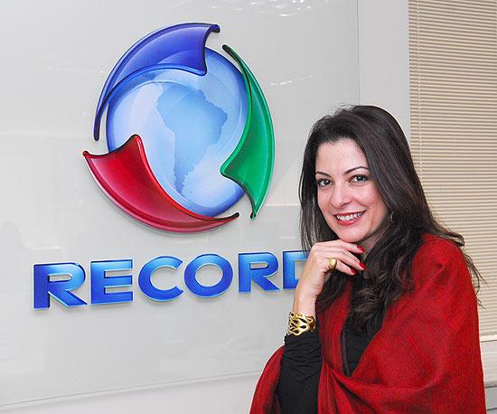 """Emissora anunciou nesta quinta-feira a contratação da jornalista por quatro anos Emissora anunciou nesta quinta-feira a contratação de Ana Paula Padrão, que irá apresentar o """"Jornal da Record""""."""
