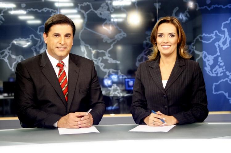 http://audienciadatv.files.wordpress.com/2009/08/sbt_brasil_karyn_bravo1.jpg