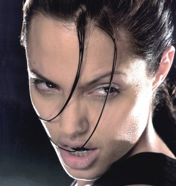 Angelina Jolie -Tomb Raider
