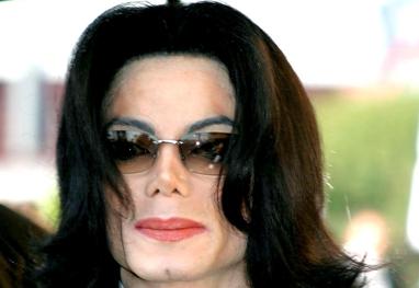 Michael Jackson: Fãs pagarão para deixar presentes no cemitério